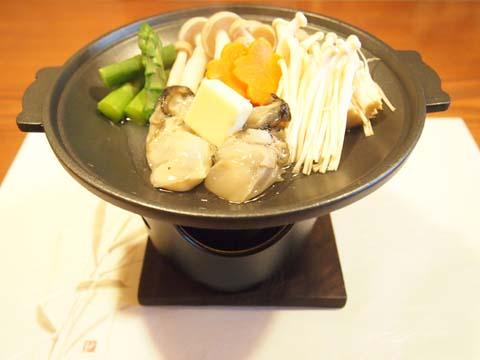 牡蠣の陶板バター焼き